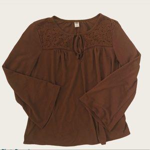 Women's bell sleeve shirt